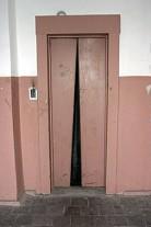 Новосибирская область: прокурор остановил лифты в трех многоэтажках